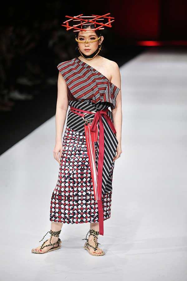 Yunita Kosasih x The Theme